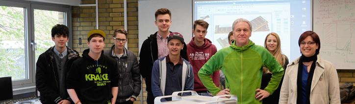 Werbeagentur Trautmann Marken aus Bad Breisig spendet MacPro an Berufsschule